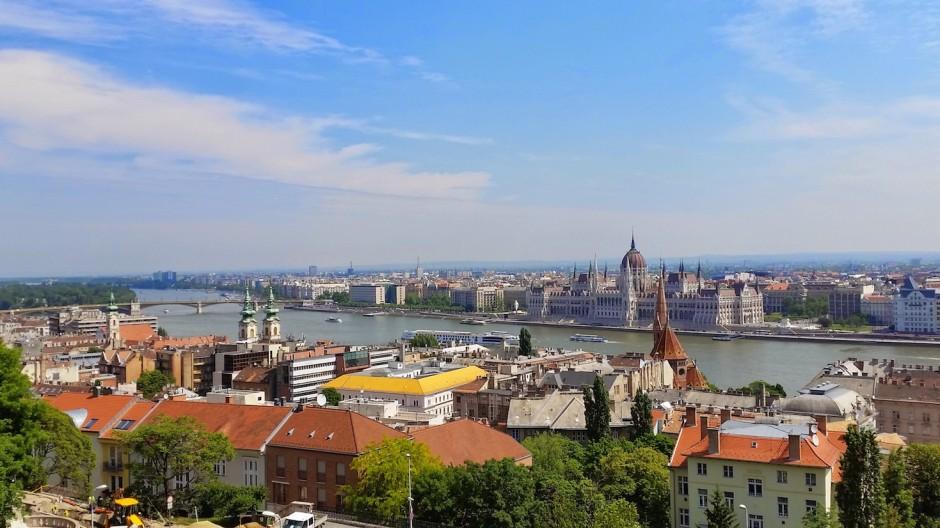 Vue sur Pest (Budapest, Hongrie)